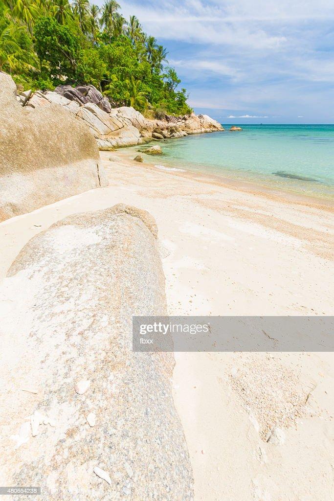 Tropical praia Turquesa de água na Tailândia : Foto de stock