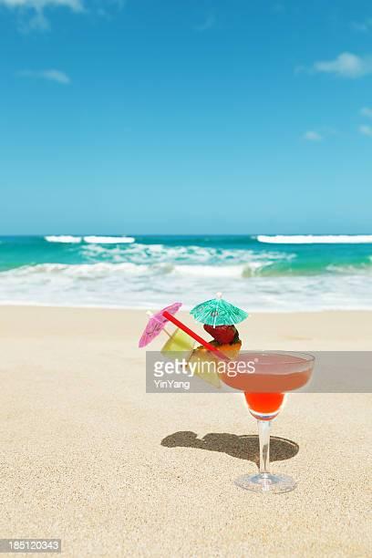 Boisson Cocktail Tropical avec parasol sur une plage de sable fin, dans le Vermont