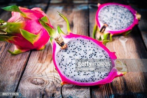 Fruta Tropical Dragon O Pitaya Foto De Stock Thinkstock