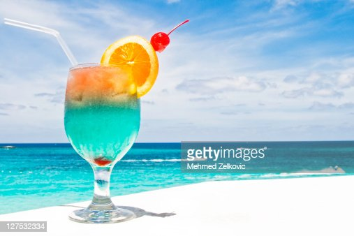 Tropical drink on paradise vacation : ストックフォト