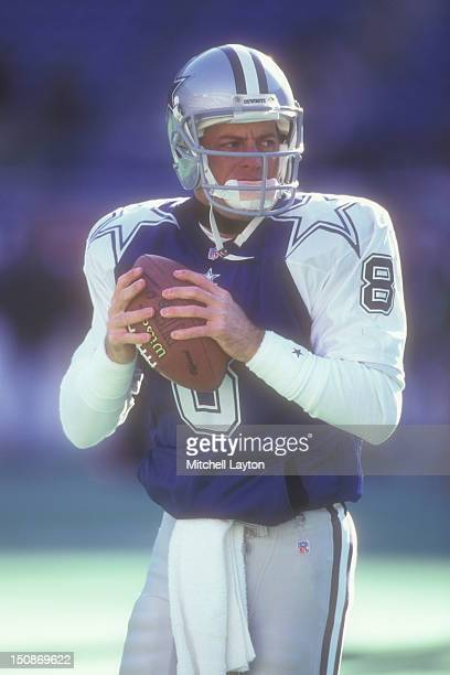 Troy Aikman of the Dallas Cowboys warms up before a football game against the Philadelphia Eagles on December 10 1995 at Veterans Stadium in...