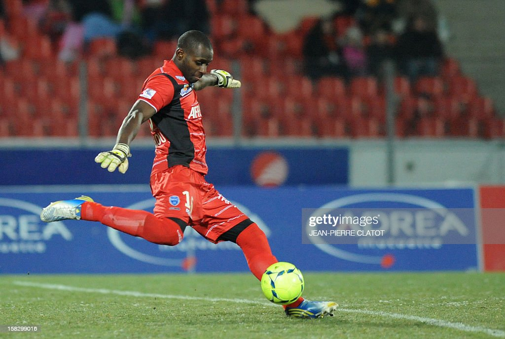Troyes' French goalkeeper, Yohann Thuram kicks the ball during their French L1 football match Evian (ETGFC) vs Troyes (ESTAC) on December 12, 2012 at the city stadium Parc des sports in Annecy, eastern France. AFP PHOTO / JEAN-PIERRE CLATOT