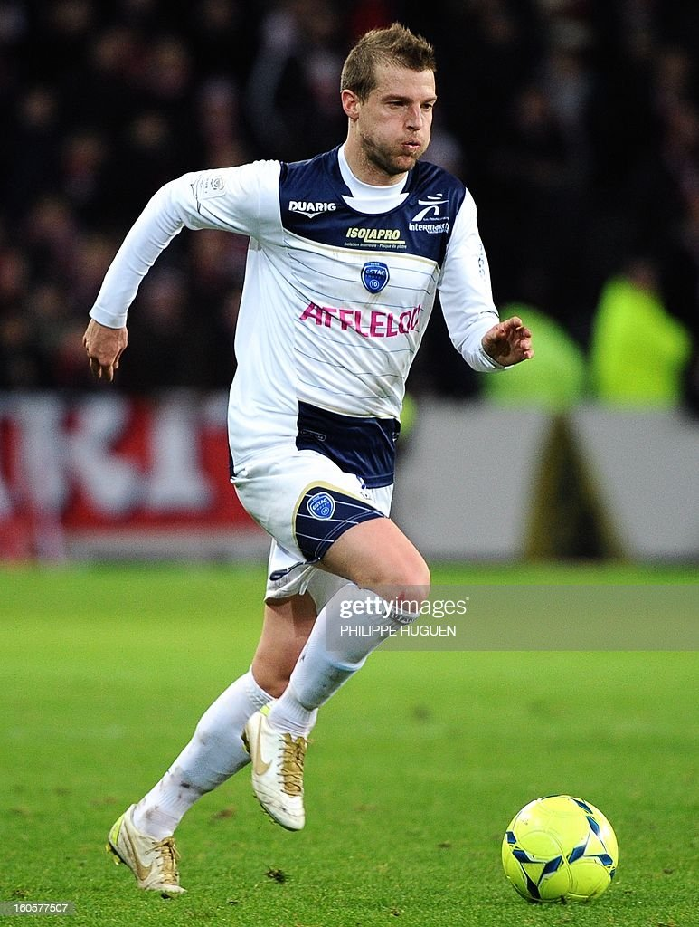 Troyes' French midfielder Stephane Darbion controls the ball during the French L1 football match Lille (LOSC) vs Troyes (ESTAC) on February 2, 2013 at the Grand Stade Stadium in Villeneuve d'Ascq.