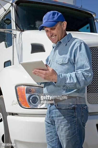 Chauffeur routier et tablette