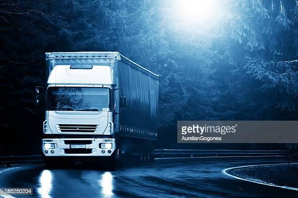 Camião na estrada