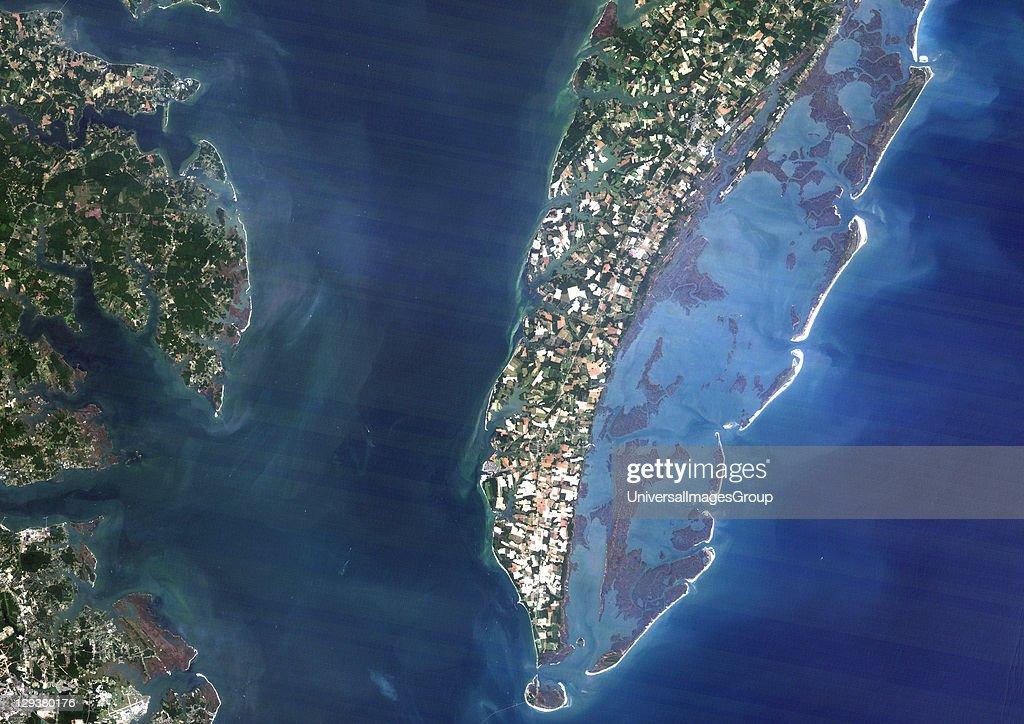 True colour satellite image of Chesapeake Bay impact structure Virginia US Image using LANDSAT data Chesapeake Bay Meteor Impact Crater Virginia Usa...