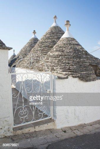 トゥルーリアルベロベッロ Puglia 、イタリア : ストックフォト