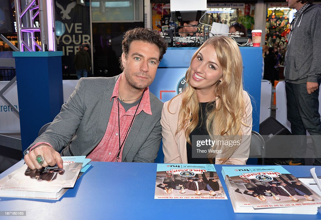 truTV's Zach Selwyn (L) and Liz Smith pose at the Guinness World Records Unleashed Arena in Times Square on November 6, 2013 in New York City. (Photo by Theo Wargo/WireImage) 24244_003_TW_0199.JPG