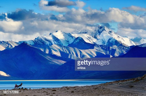Tso Moriri lake after sunset : Stock Photo