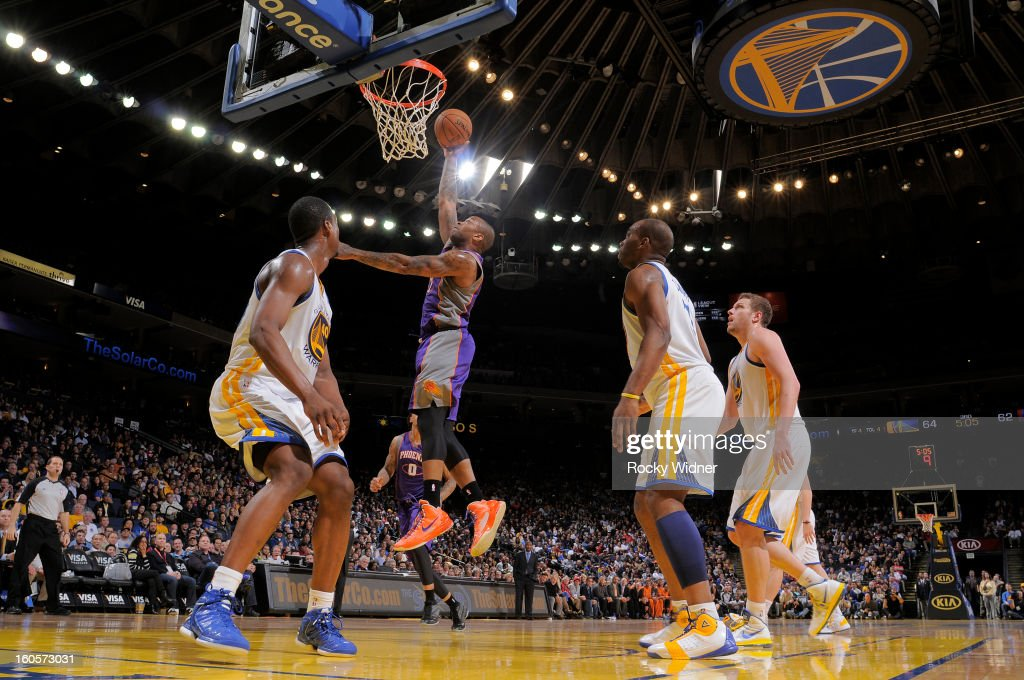 P.J. Tucker #17 of the Phoenix Suns shoots against the Golden State Warriors on February 2, 2013 at Oracle Arena in Oakland, California.