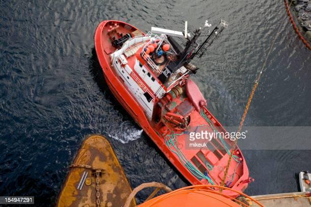 Tir de bateau dans le port