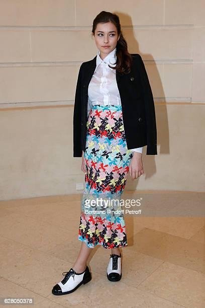 Tugba Sunguroglu attends the 'Chanel Collection des Metiers d'Art 2016/17 Paris Cosmopolite' Photocall at Hotel Ritz on December 6 2016 in Paris...