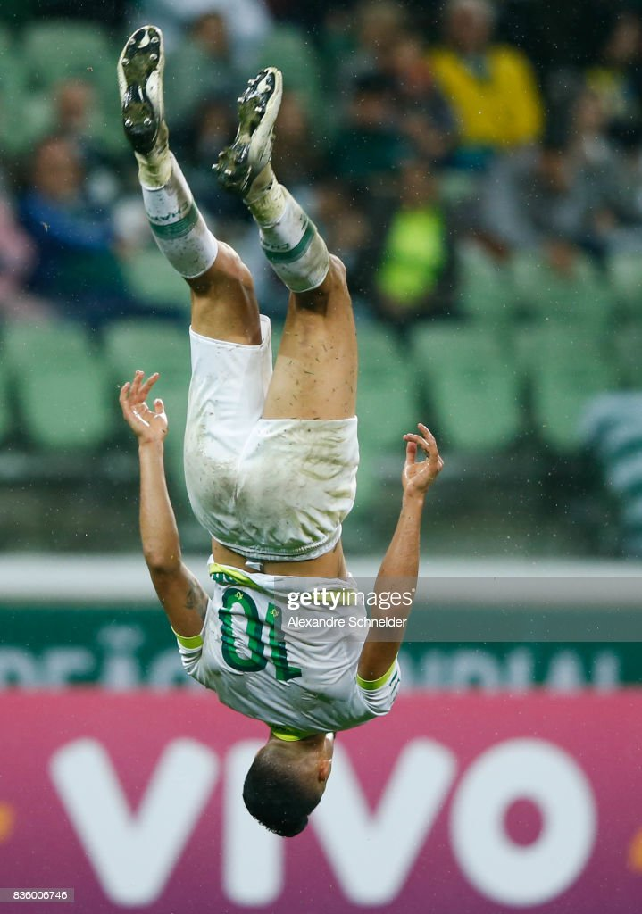 Tulio de Melo of Chapecoense celebrates after scoring their secong goal during the match between Palmeiras and Chapecoense for the Brasileirao Series A 2017 at Aliians Parque Stadium on August 20, 2017 in Sao Paulo, Brazil.