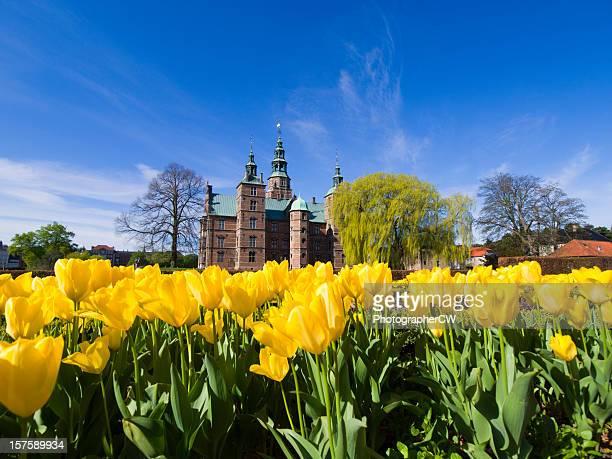 チューリップと Rosenborg 城