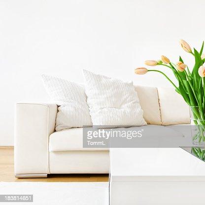 Tulipani e divano