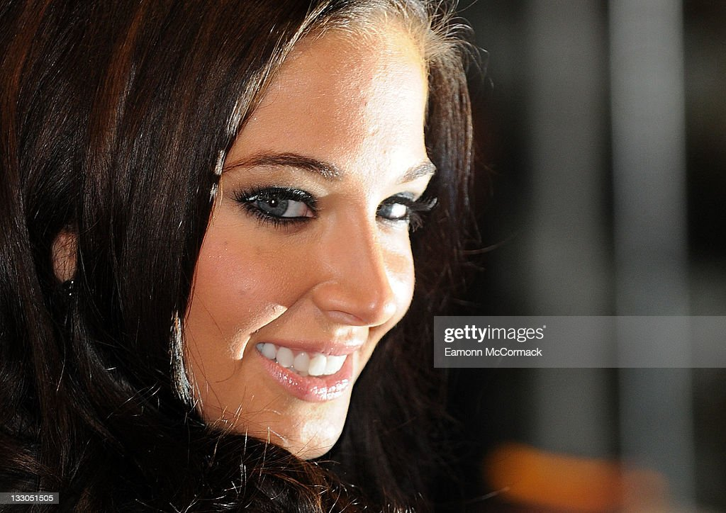 <a gi-track='captionPersonalityLinkClicked' href=/galleries/search?phrase=Tulisa+Contostavlos&family=editorial&specificpeople=6544720 ng-click='$event.stopPropagation()'>Tulisa Contostavlos</a> attends the UK premiere of The Twilight Saga: Breaking Dawn Part 1 at Westfield Stratford City on November 16, 2011 in London, England.