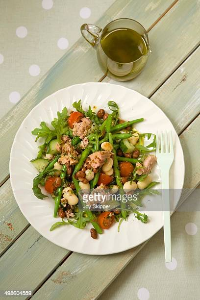 Tuna and Bean Salad with dressing