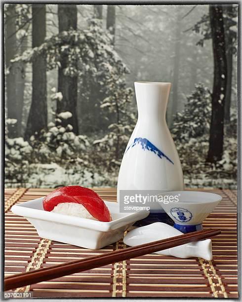 Tuna Nigiri sushi with sake