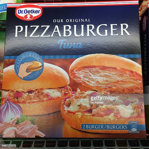 Tuna Pizzaburger packaging Blue box white text two light brown burger buns filled with 'tuna pizza'
