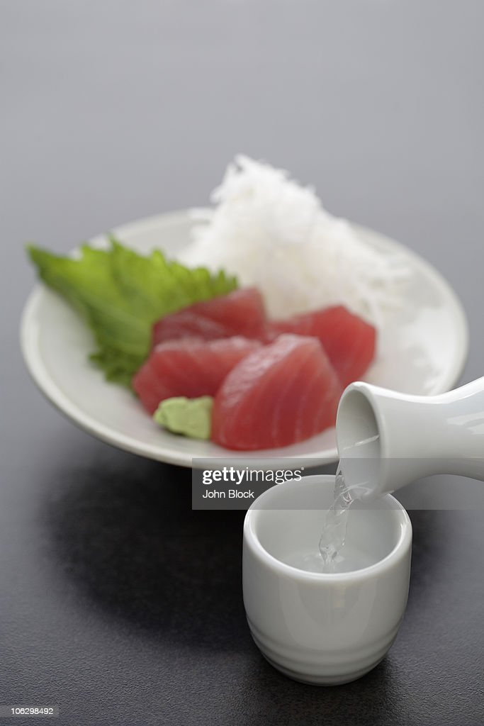 Tuna sashimi and sake