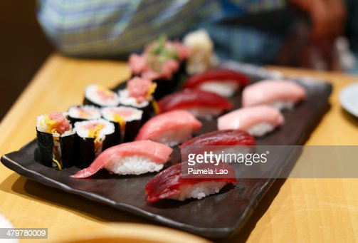 Tuna sushi set