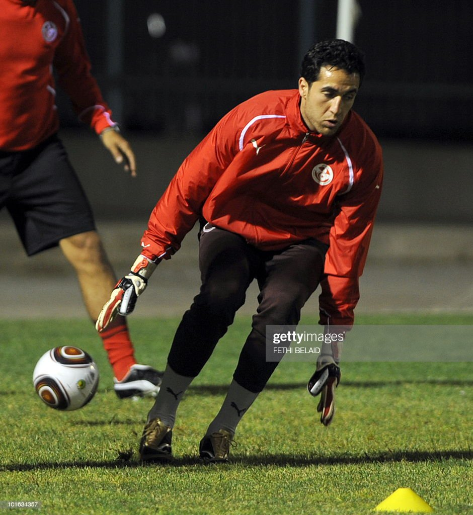 Tunisian football national team's goalkeeper Hamdi Kasraoui during a training session, on May 28, 2010 in Rades near Tunis, two days before their friendly match against France in Tunis.