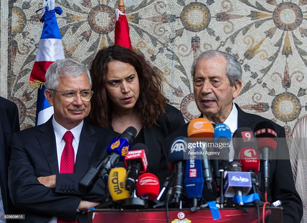 Tunisian Parliament Speaker Mohammed Nasser delivers a speech during a joint press conference with President of the National Assembly of France, Claude Bartolone (L) in Tunis, Tunisia on April 28, 2016.