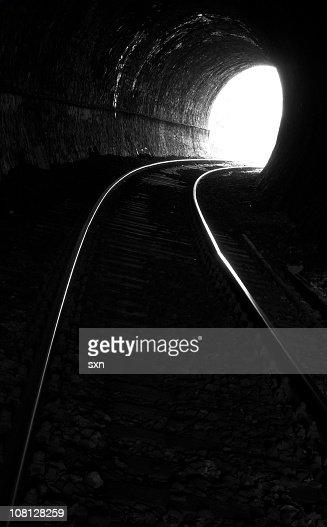 トンネルエンド 2 : ストックフォト