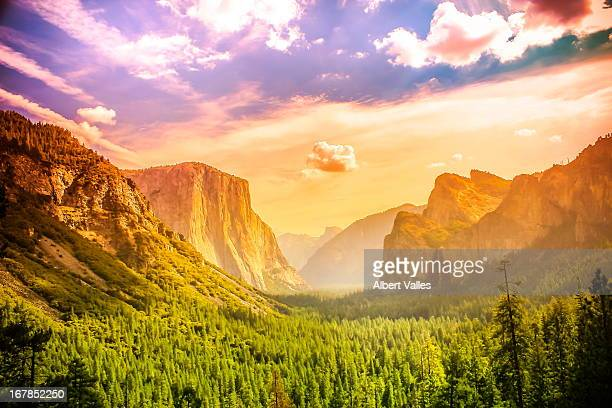 Tunnel View of Yosemite National Park at Noon