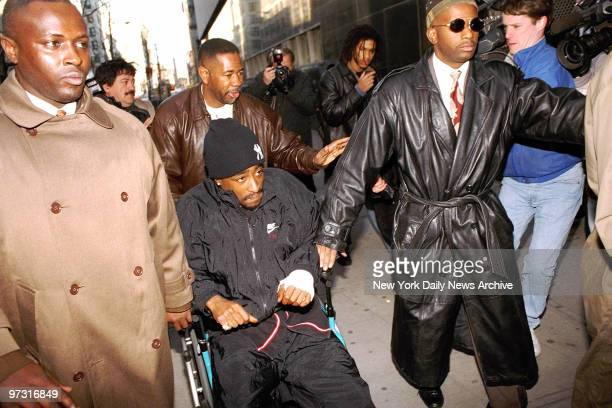Tupac Shakur arriving to court at 111 Centre St where he is on trial for sexual assult