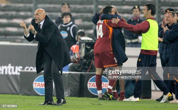 AS Roma coach Luciano Spalletti jubilates after his team scored the equalizer against Juventus in a Serie A football match 25 March 2006 at Turin's...