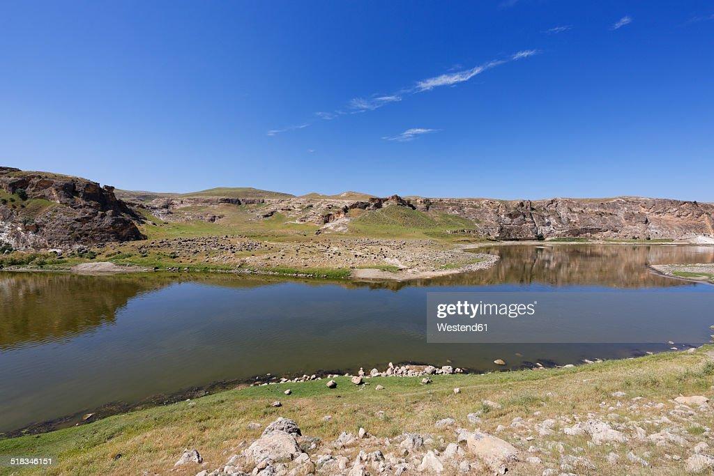 Turkey, Anatolia, River Tigris near Hasankeyf