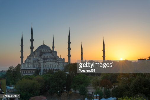 Turkey, Istanbul, View of Sultan Ahmed Mosque at Sultanahmet district