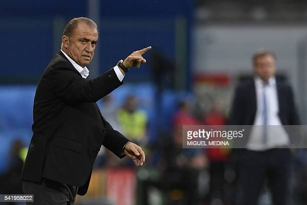 Turkey's coach Fatih Terim gestures during the Euro 2016 group D football match between Czech Republic and Turkey at BollaertDelelis stadium in Lens...