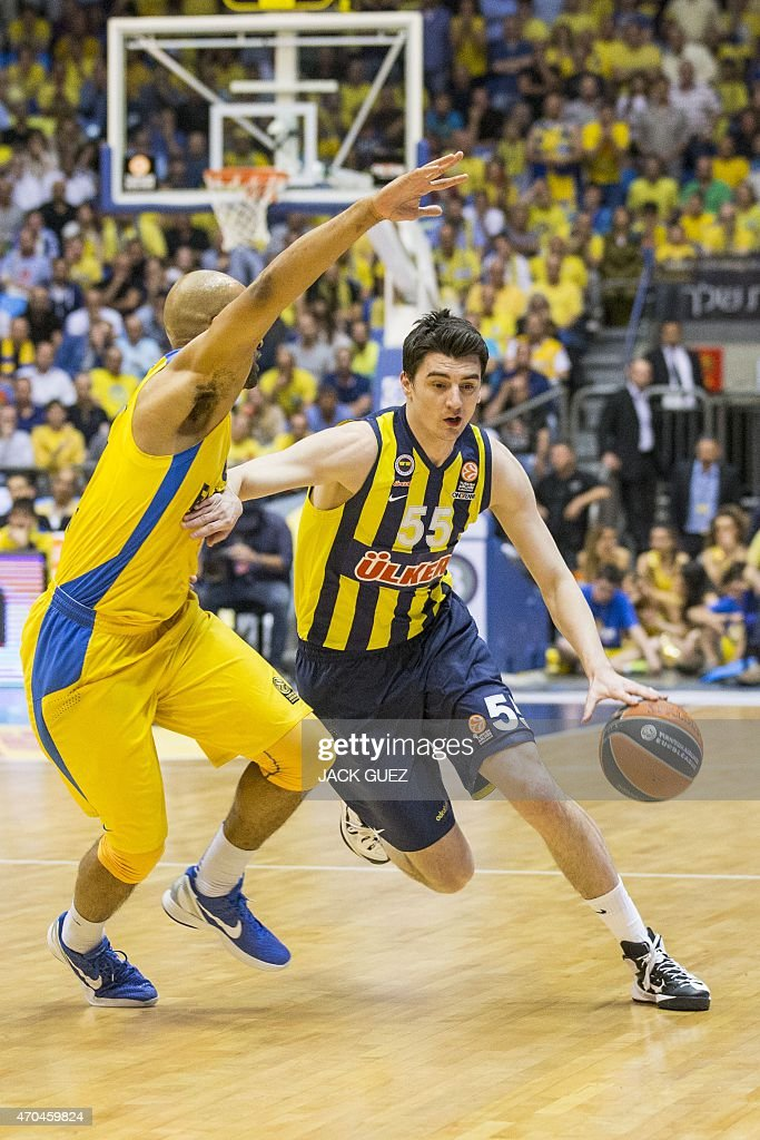 Turkey's Fenerbahce Ulker Istanbul's Turkish forward Emir Preldzic Emir (R) vies for the ball against Israel Maccabi Electra Tel Aviv's US guard <a gi-track='captionPersonalityLinkClicked' href=/galleries/search?phrase=Devin+Smith+-+Basketball+Player&family=editorial&specificpeople=13926073 ng-click='$event.stopPropagation()'>Devin Smith</a> (L) during their Euroleague Playoff basketball match, round 3, between Fenerbahce Ulker Istanbul and Maccabi Electra Tel Aviv, on April 20, 2015 at the Menora Mivtachim Arena stadium in the Israeli Mediterranean coastal city of Tel Aviv.