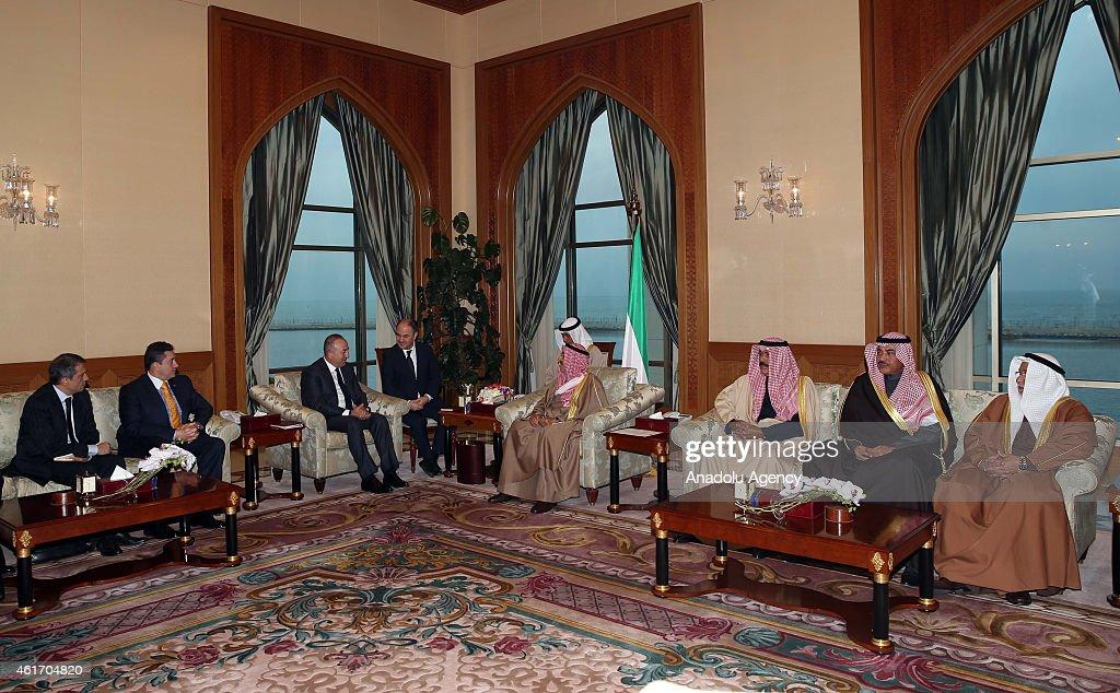 Turkey's Foreign Minister Mevlut Cavusoglu (L 3) meets Emir of Kuwait Sabah Al-Ahmad Al-Jaber Al-Sabah (R 4) during his official visit in Kuwait City, Kuwait on January 18, 2015.