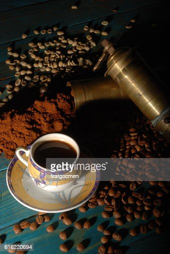 Turkish coffee and girinder with cup : Stockfoto