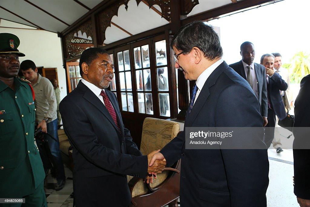 Turkish Foreign Minister Ahmet Davutoglu (R) meets with President of Zanzibar Dr. Ali Mohamed Shein (L) in Zanzibar, Tanzania on 31 May, 2014.