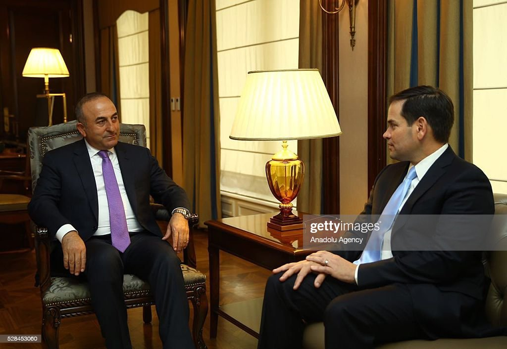 Turkish Foreign Minister Mevlut Cavusoglu (L) attends a meeting with US Senator Marco Rubio (R) in Ankara, Turkey on May 5, 2016.