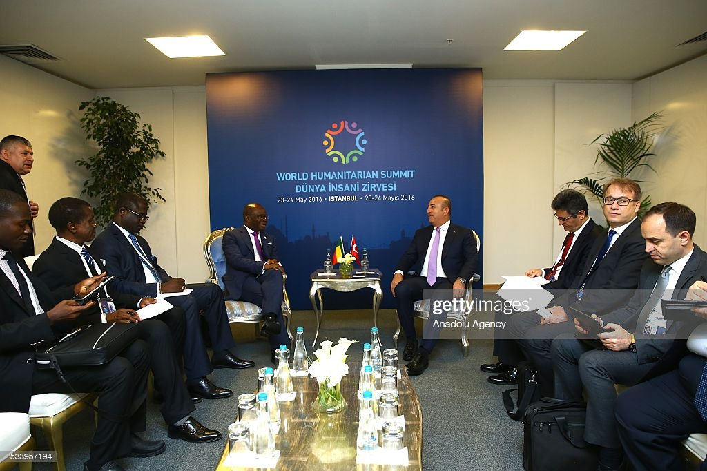 Turkish Foreign Minister Mevlut Cavusoglu (4th R) meets with Foreign Minister of Benin Agbenonc (4th L) during bilateral meeting, held within World Humanitarian Summit in Istanbul, Turkey on May 24, 2016.
