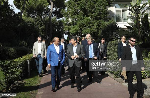 Turkish Foreign Minister Mevlut Cavusoglu meets with his German counterpart Sigmar Gabriel in Antalya on November 4 2017 / AFP PHOTO / POOL / CEM...