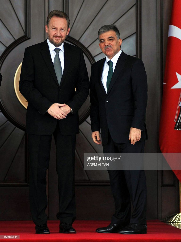Turkish President Abdullah Gul, (R) and Bakir Izetbegovic, member of the Presidency of Bosnia, pose before their meeting in Ankara on January 4, 2013.