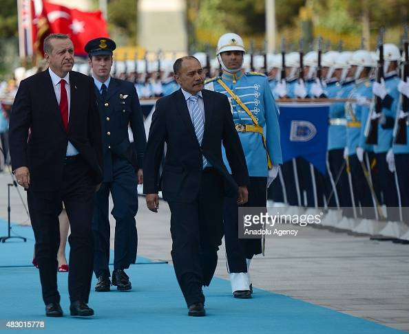 Turkish President Recep Tayyip Erdogan and New Zealand's GovernorGeneral Jerry Mateparae inspect the Turkish honor guards during an official...