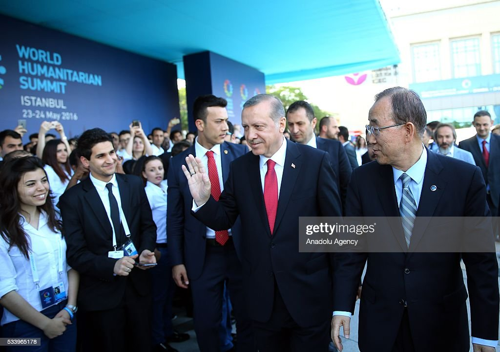 Turkish President Recep Tayyip Erdogan (2nd R) and United Nations (UN) Secretary General Ban Ki-moon (R) meets with staff and voluntarily staffed students after they held a joint press conference on the second day of World Humanitarian Summit at Harbiye Muhsin Ertugrul Stage in Istanbul, Turkey on May 24, 2016