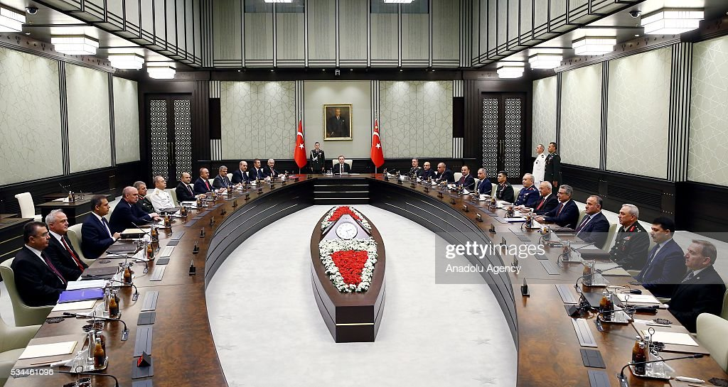 Turkish President Recep Tayyip Erdogan (C) chairs a meeting of the National Security Council (MGK) at the Presidential Palace in Ankara, Turkey on May 26, 2016.