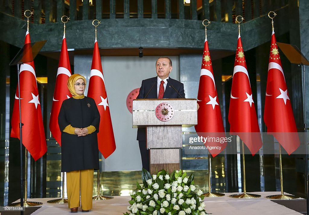 Turkish President Recep Tayyip Erdogan (R) delivers a speech during World Smoking Cessation Day reception at Presidential Palace in Ankara, Turkey on February 9, 2016.