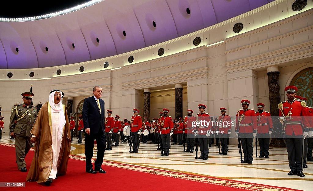 Turkish President Recep Tayyip Erdogan (R) meets with Emir of Kuwait, Sabah Al-Ahmad Al-Jaber Al-Sabah (L) in Kuwait City, on April 28, 2015.