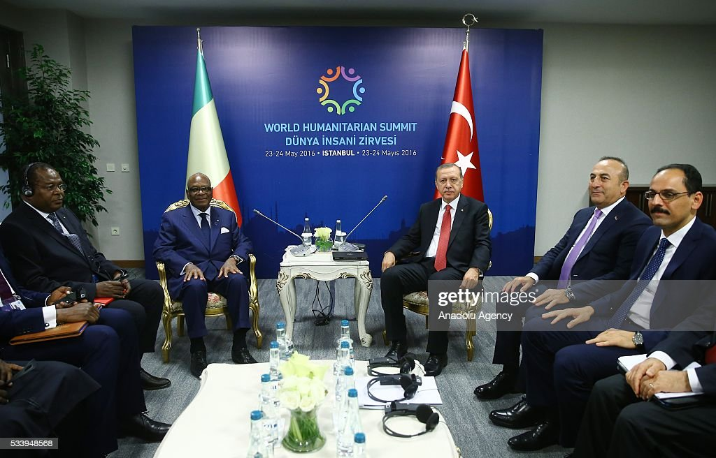 Turkish President Recep Tayyip Erdogan (C-R) meets with Malian President Ibrahim Boubacar Keita within the World Humanitarian Summit in Istanbul, Turkey on May 24, 2016.