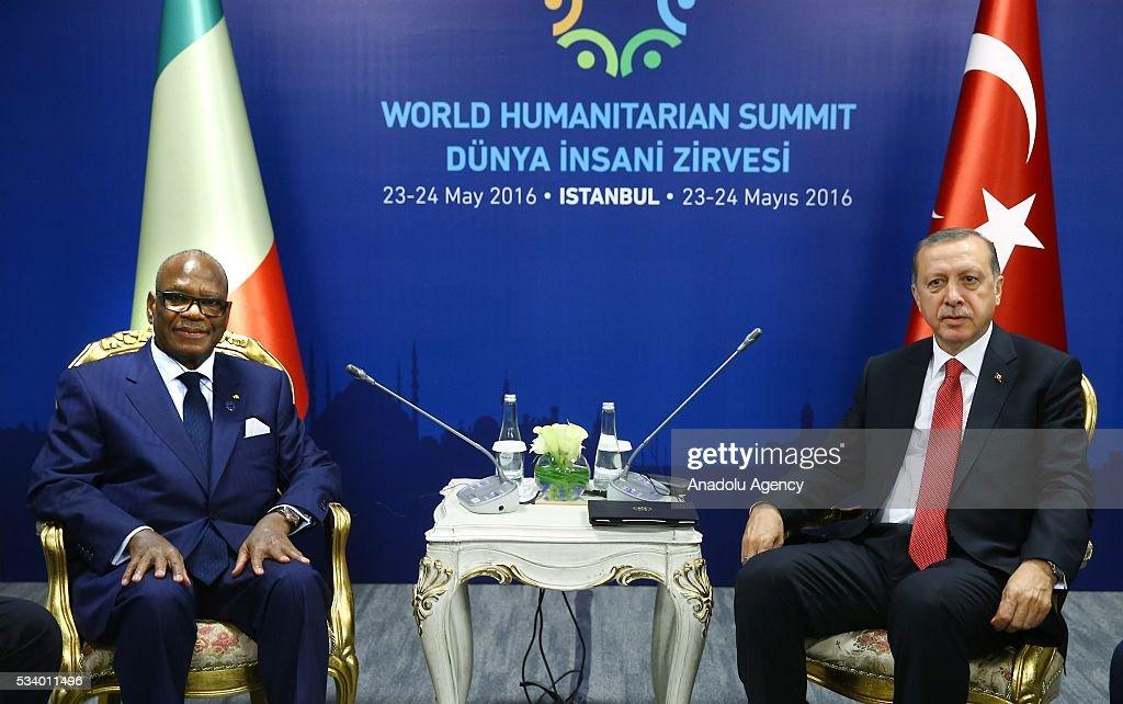 Turkish President Recep Tayyip Erdogan (R) meets with Malian President Ibrahim Boubacar Keita within the World Humanitarian Summit in Istanbul, Turkey on May 24, 2016.