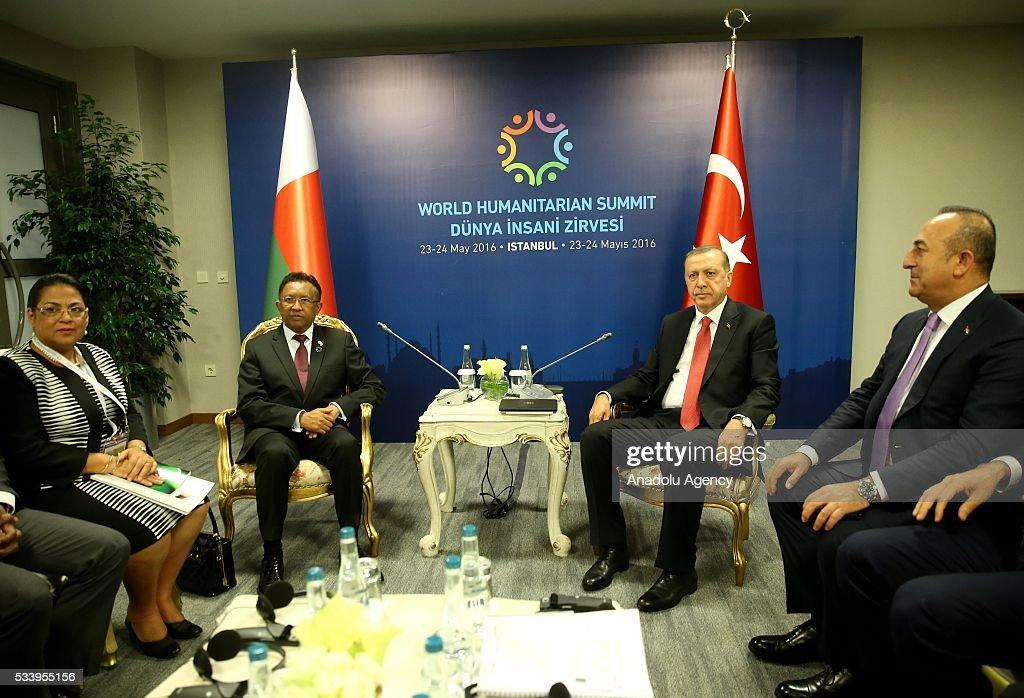 Turkish President Recep Tayyip Erdogan (2ndR) meets with President of Madagascar (2ndL) Hery Rajaonarimampianina within the World Humanitarian Summit in Istanbul, Turkey on May 24, 2016.